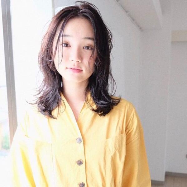 丸顔 黒髪ミディアム6