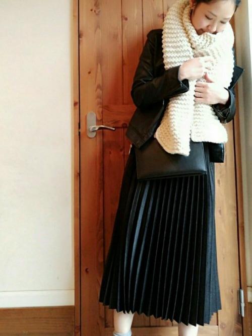 ZARAのスカート!プリーツで上品な装いを楽しもう♪12