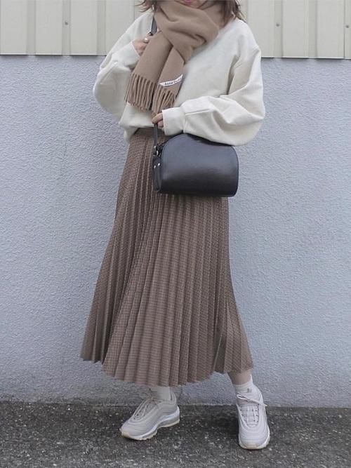 ZARAのスカート!プリーツで上品な装いを楽しもう♪4