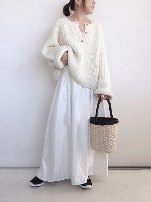スカート 白 ホワイト ワントーンコーデ