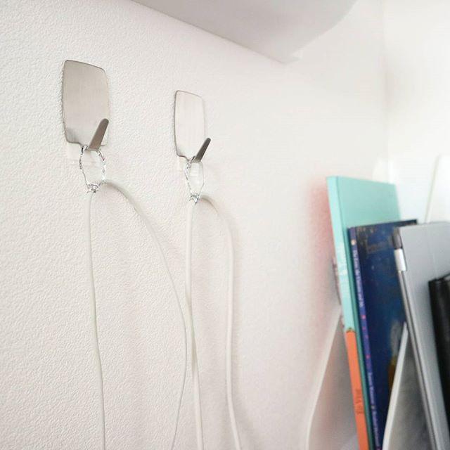 壁掛け収納 ルーター・充電器の配線 フック