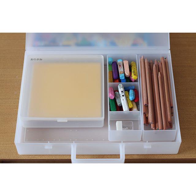 無印収納のおすすめ実例⑧文房具収納に便利なアイテム
