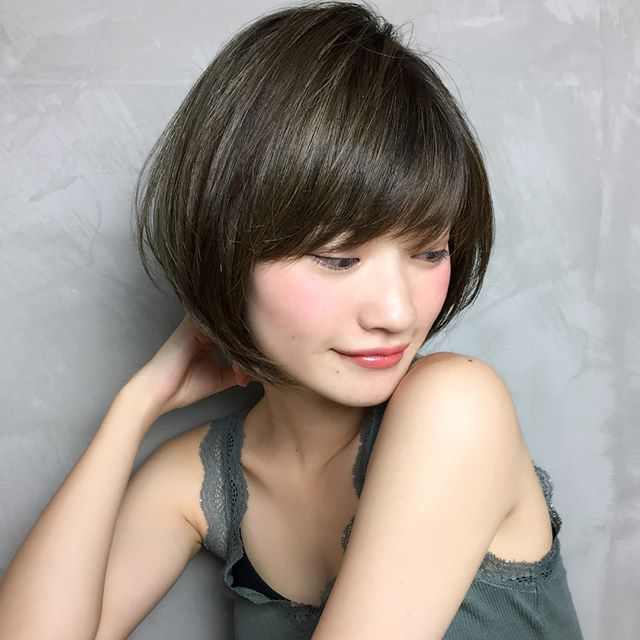 くせ毛 ショートヘア ボリューム 抑える2