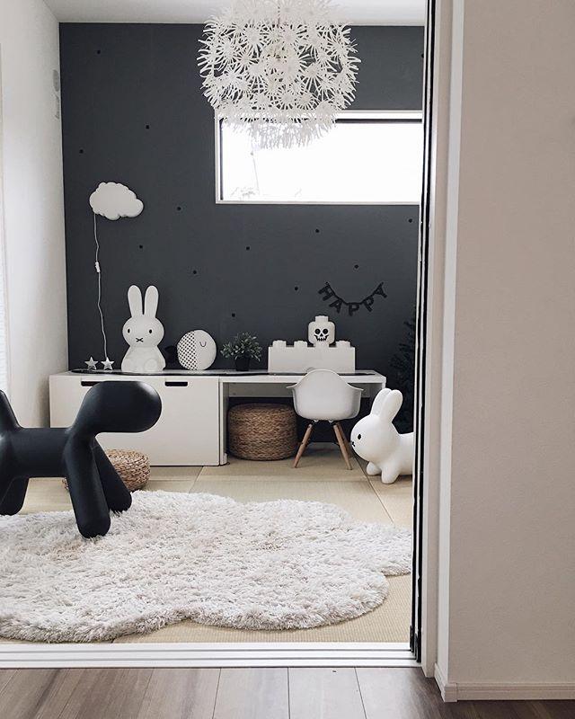 和室インテリア 黒い壁