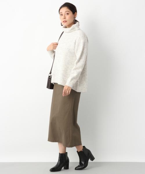 サテンストレッチピーチIラインスカート