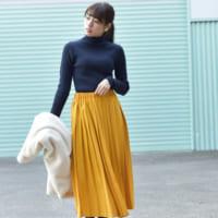 コーデを明るく仕上げる「イエロー&マスタード色スカート」☆大人の着こなし術をご紹介