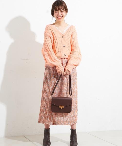 オレンジトップス スカートとのコーデ