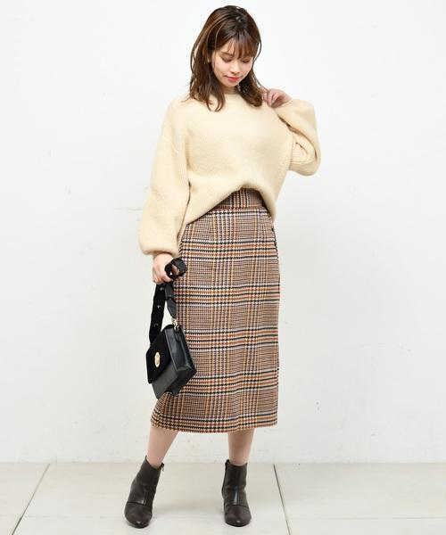 サイド釦ゆるタイトスカート