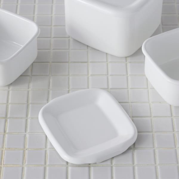 冷蔵庫収納 野田琺瑯の容器で統一