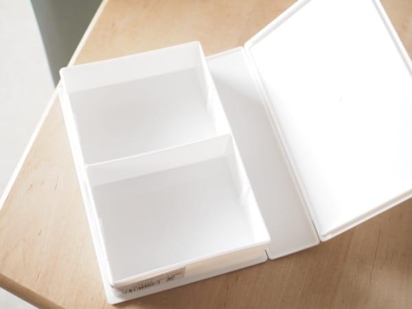 3.ハガキの収納に便利!ブック型ケース2