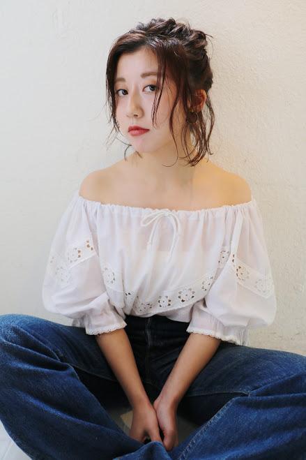 黒髪ミディアム アレンジスタイル13
