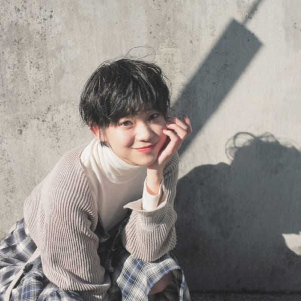黒髪ベリーショート②くせ毛風2