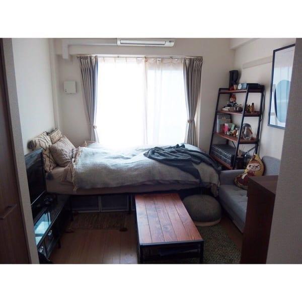 一人暮らしのベッド周りの収納7