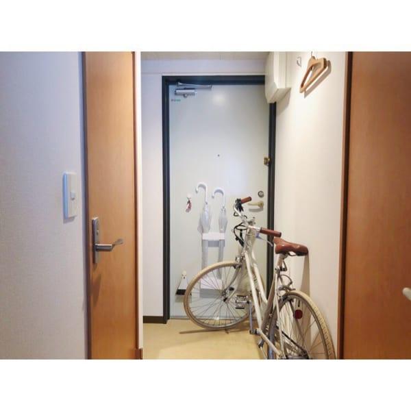 一人暮らしインテリア 自転車 家の中