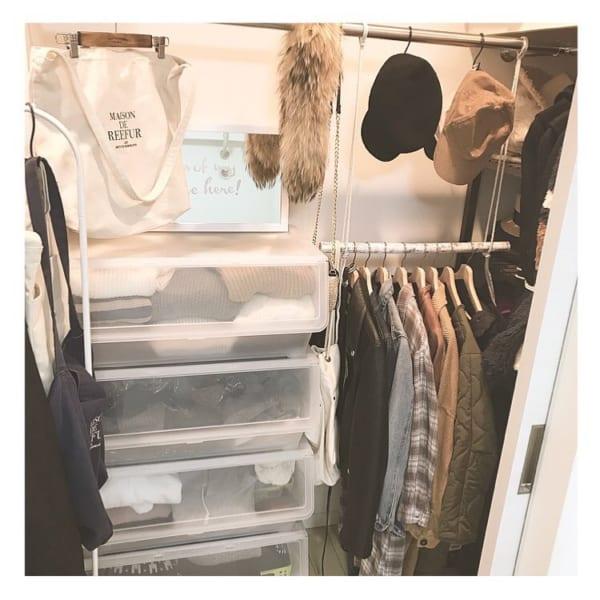 コート収納①クローゼットにコートを収納した実例9