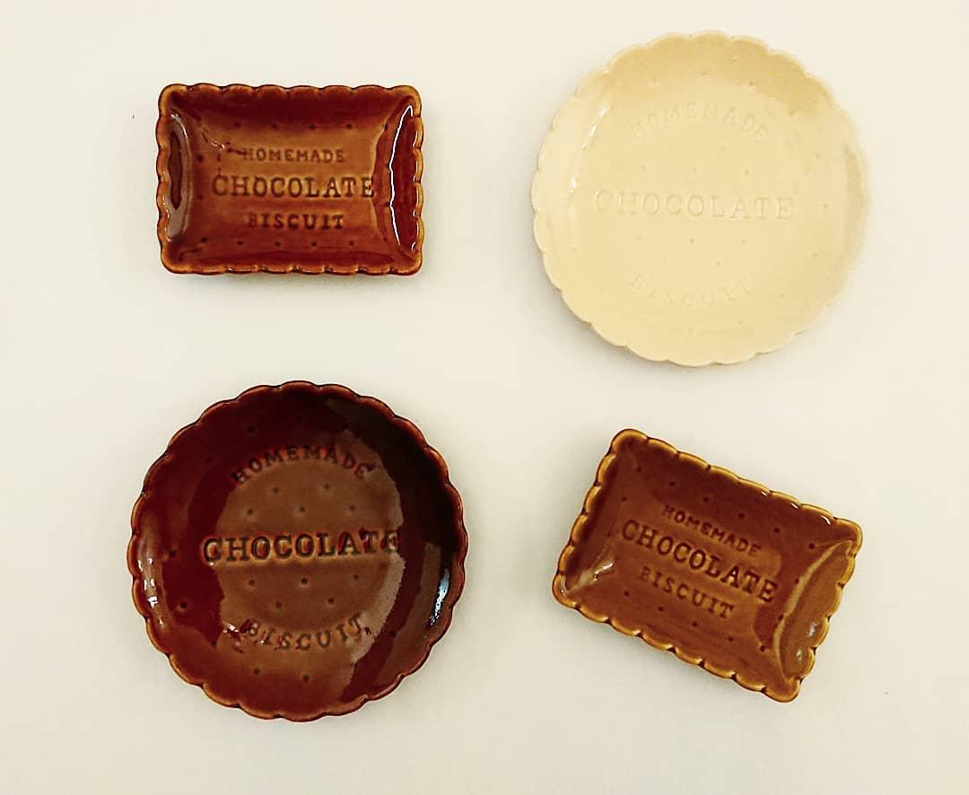 キャンドゥのチョコレートシリーズ・ビスケット型プレート