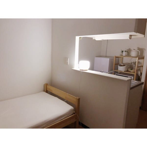 一人暮らしのベッド周りの収納9
