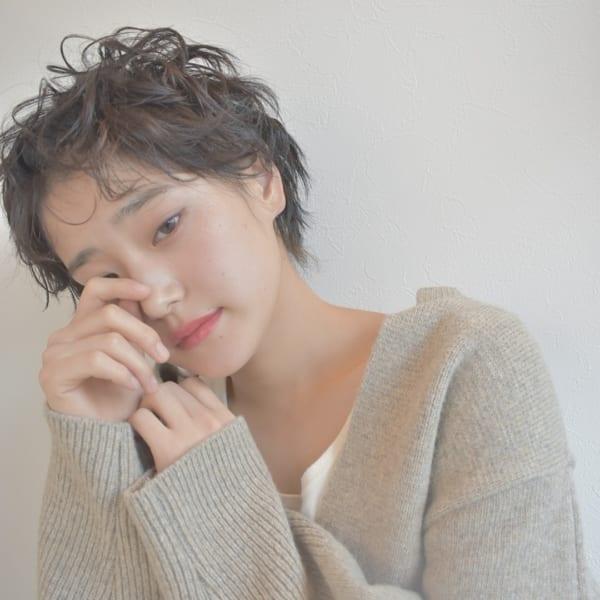 黒髪ベリーショート②くせ毛風4