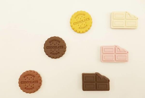 キャンドゥのチョコレートシリーズ・チョコレートとビスケットの形をしたマグネット