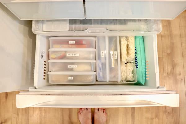 タッパー収納 冷凍庫2