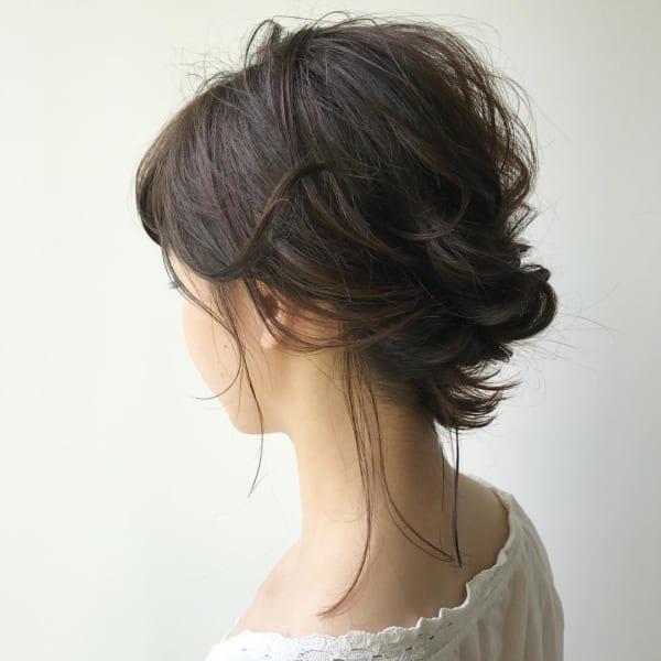 黒髪ミディアム アレンジスタイル10