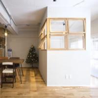 光と風を取り入れて明るい空間に!「室内窓」で繋がる家族のカタチ