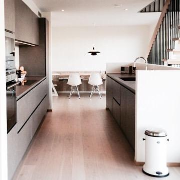 白を基調にした海外キッチンインテリア2