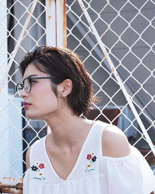 メガネ×前髪なしのスッキリショート2