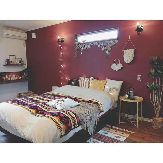 寝室 壁紙 ワインレッド
