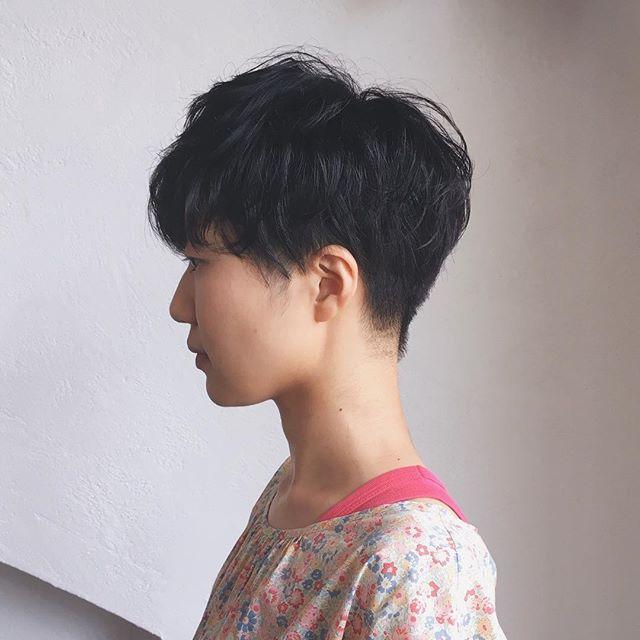 キャップに似合う髪型:マッシュショート