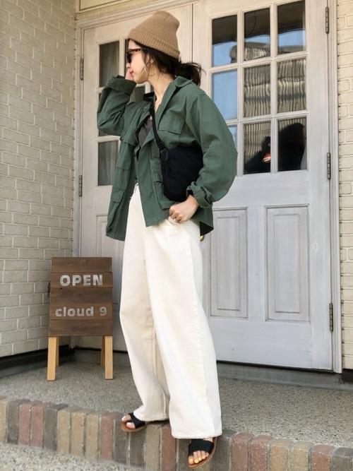 【ロングヘア】ニット帽のおしゃれな春コーデ②パンツ2