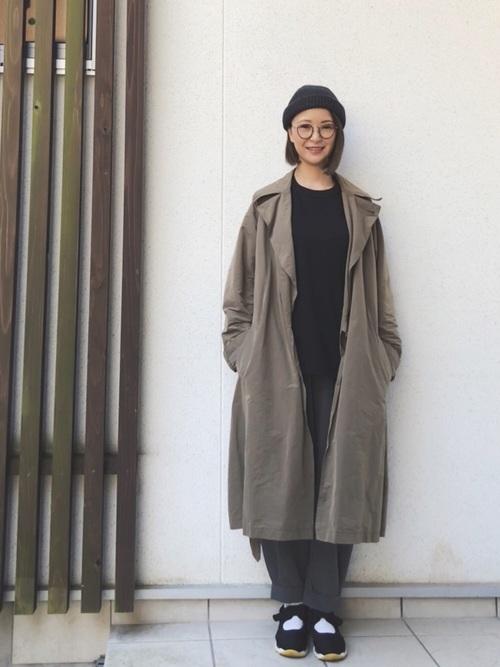 【ボブヘア】ニット帽のおしゃれな春コーデ③パンツ