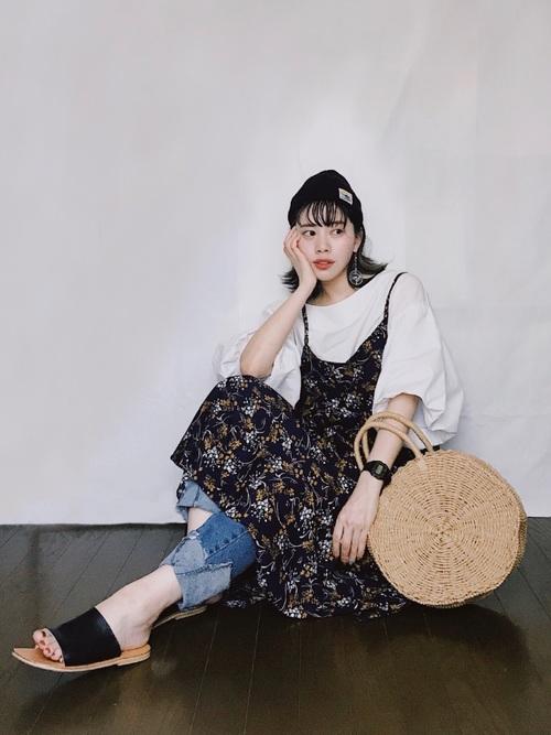 【ショートヘア】ニット帽のおしゃれな春コーデ③ジーンズ2