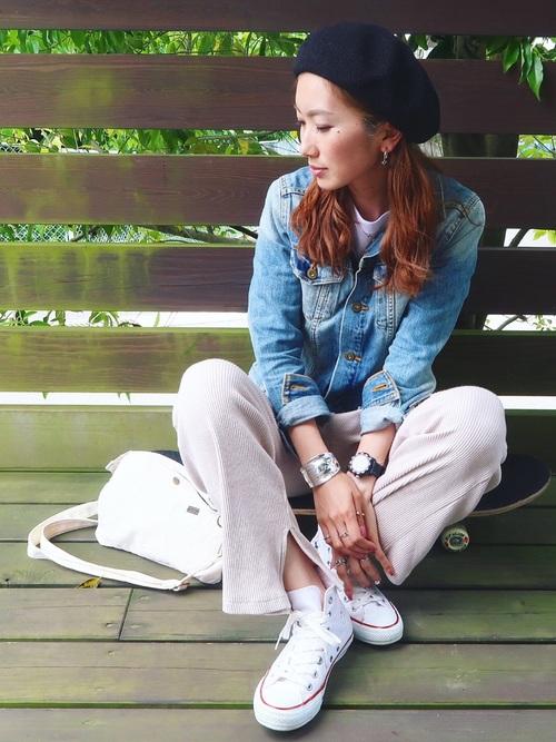 ベレー帽×デニムジャケットのコーデ