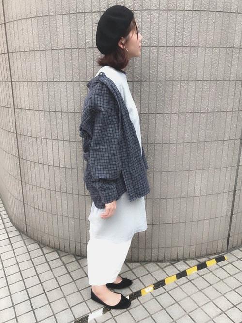 ベレー帽×チェックシャツのコーデ