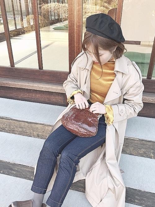 ベレー帽×トレンチコートのコーデ