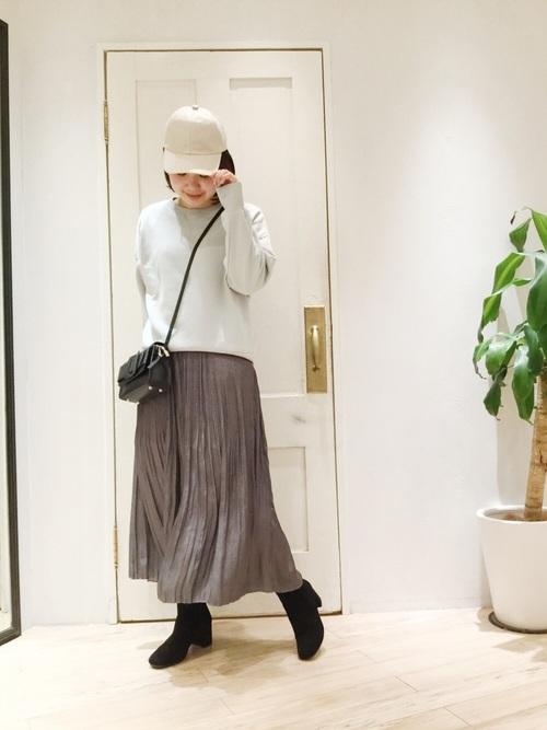 [un dix cors] プリーツサテンスカート
