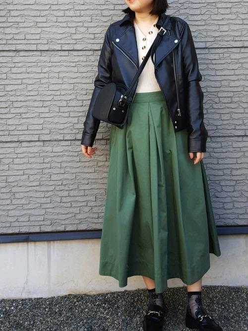 [select MOCA] 柔らかく履きやすいフェイクレザーゴールドビット付きローファー