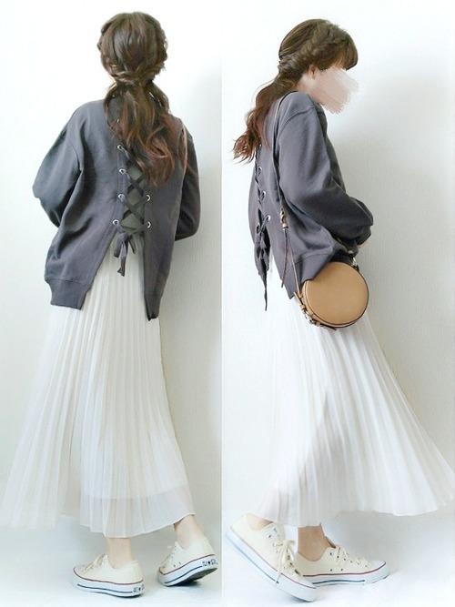 【フレアスカート】で作るきれいめシンプルファッション