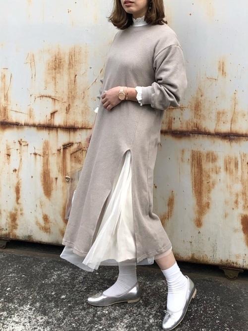 白プリーツスカート