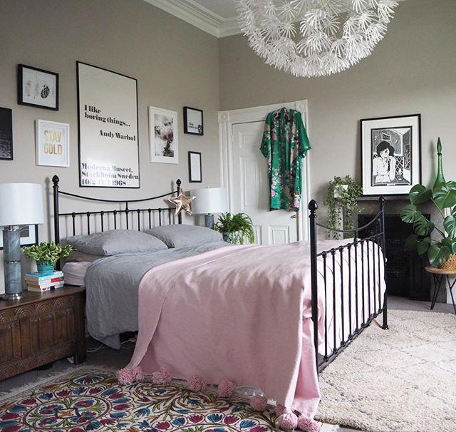 寝室 海外インテリア ピンク