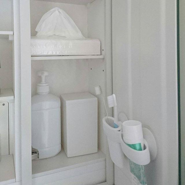 歯ブラシと歯磨き粉を収納する4