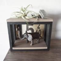 【連載】100均のフォトフレームでできる!小さな飾り棚を簡単DIY