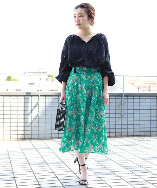 アロハ柄スカート