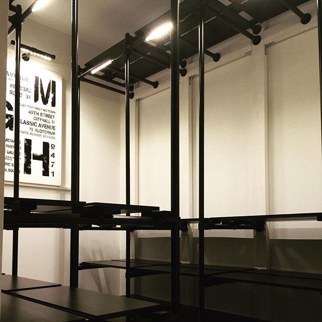 ディアウォールの強度と耐荷重を上げる方法③併用する家具や什器選び