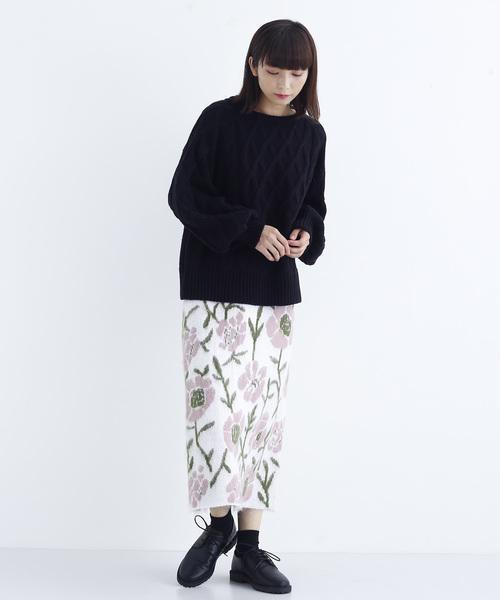 フラワー柄ジャガード織りニットスカート