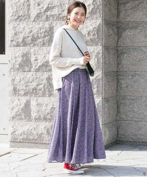 フローラルプリントスカート