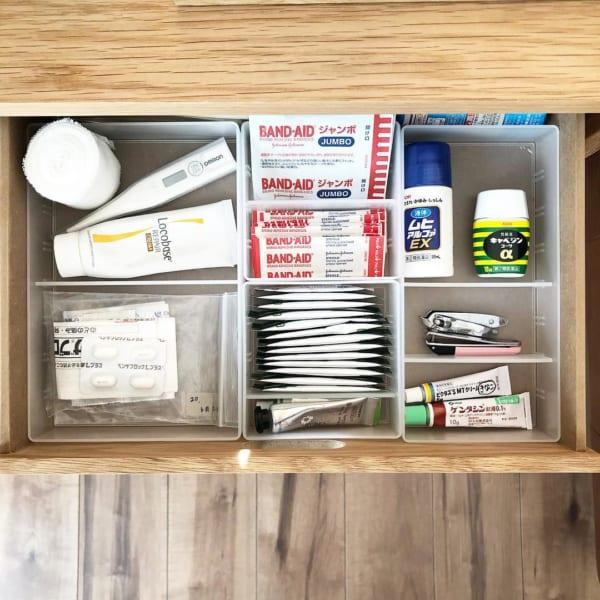 薬収納 無印良品 スタッキングシェルフ デスク内整理トレー