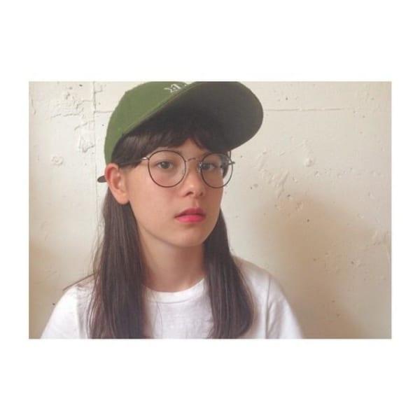 眼鏡と合わせるストレートヘア