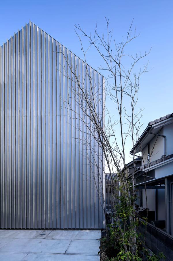 シンプルな外観のデザイナーズ住宅